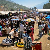 Shopping in Kullu